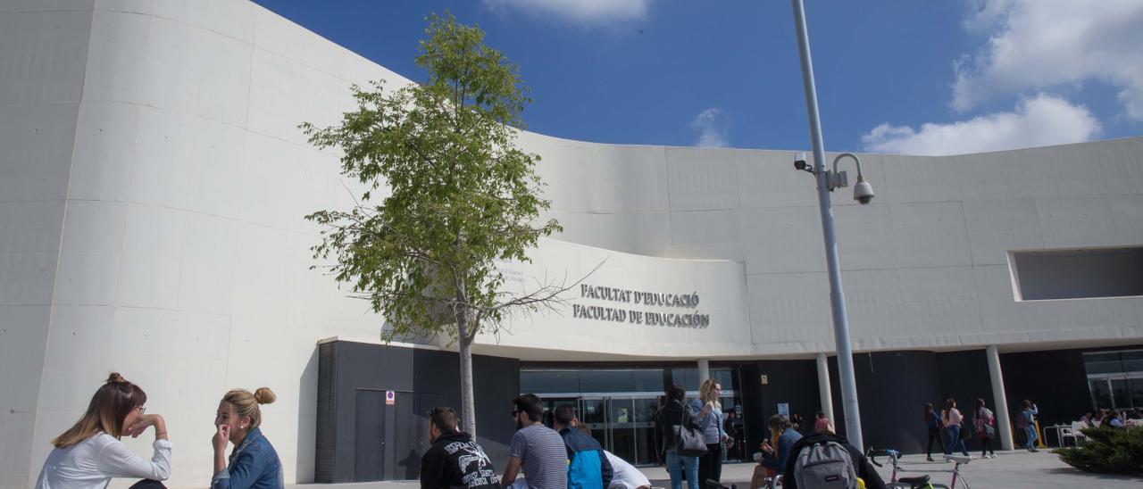 Accesos a la Facultad de Educación en la Universidad de Alicante