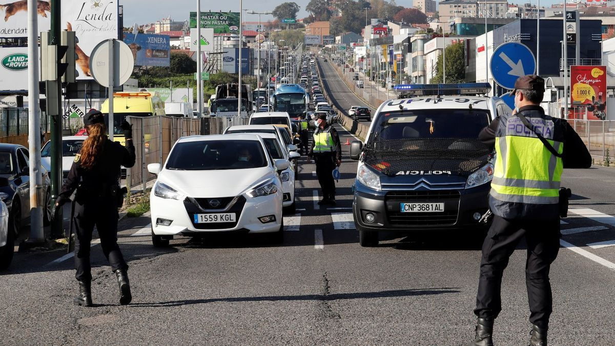 Control policial en los accesos de Vigo hace una semana