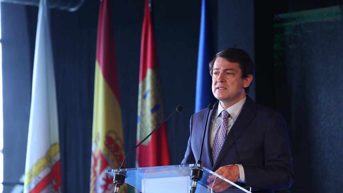 Mañueco, durante el acto de inauguración de la cumbre en Soria.