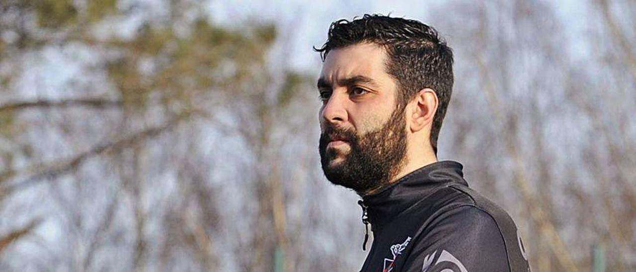 Julio Alberto Fernández seguirá entrenando al Lalín.