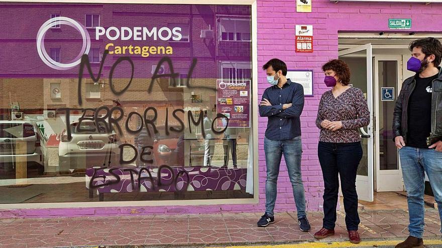 Ataquen amb un còctel Molotov la seu de Podem a Cartagena