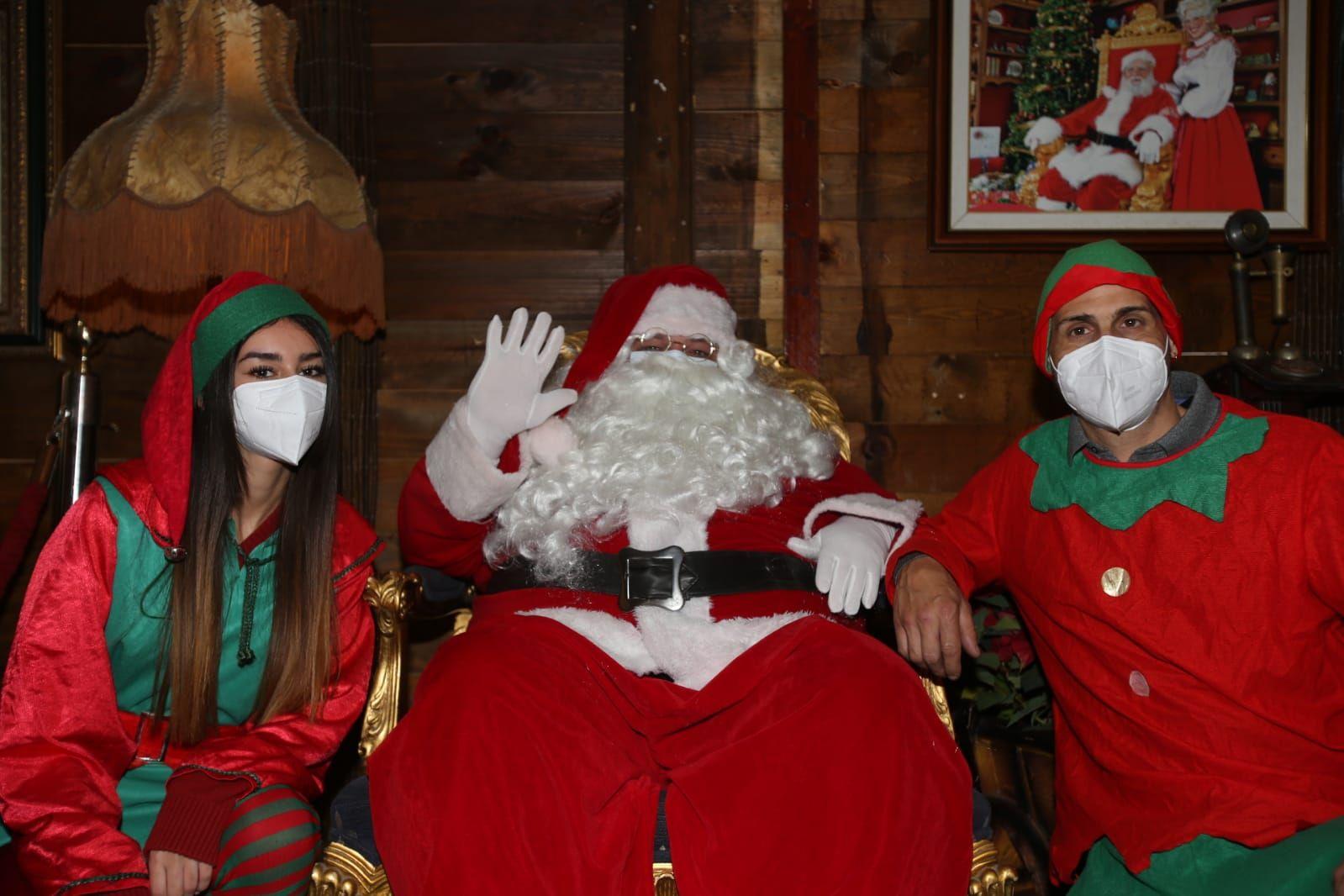 Navidad en Alicante 2020: Así es la casa de Papa Noel en el edificio Séneca