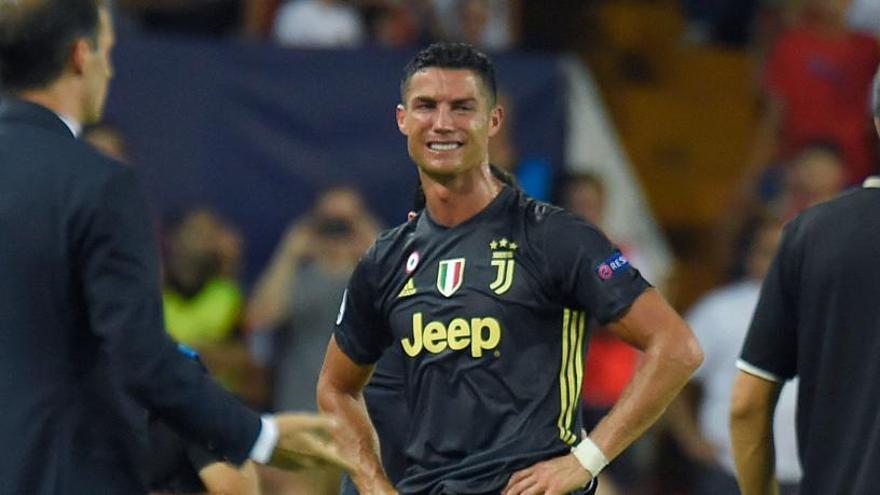 Cristiano Ronaldo és expulsat i marxa del camp plorant