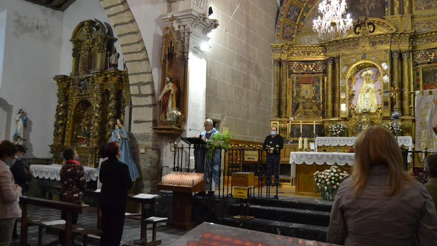 La festividad de la Virgen de La Carballeda más sencilla