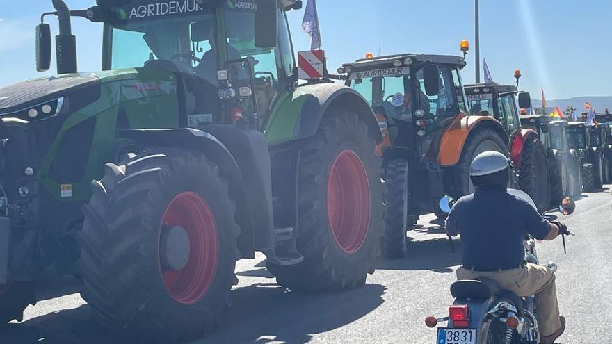 'Tractorada' en Sangonera en defensa del trasvase Tajo-Segura