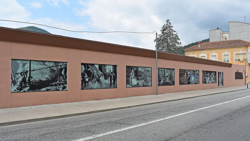 Súria instal·la elements identificatius de la vila a l'entrada del nucli urbà