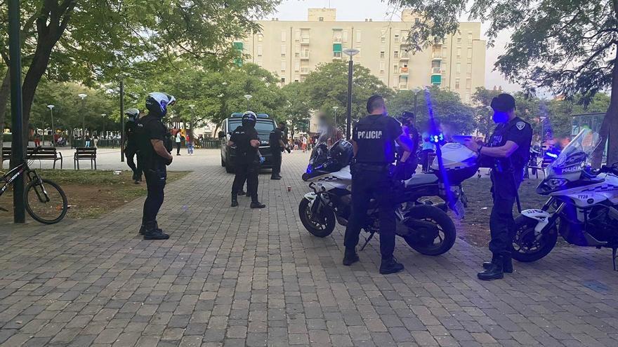 La Policía interviene por infracciones de las medidas anticovid en la Playa de Can Pere Antoni