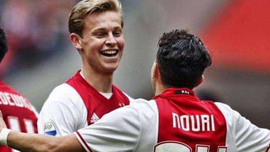 El jugador del Ajax Appie Nouri despierta del coma casi tres años después