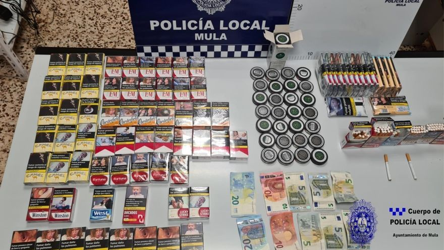 Denuncian a un bazar de alimentación de Mula por venta ilegal de tabaco