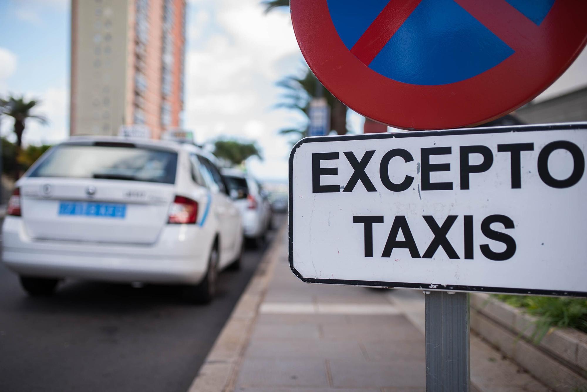 Restricciones en el transporte público de Tenerife