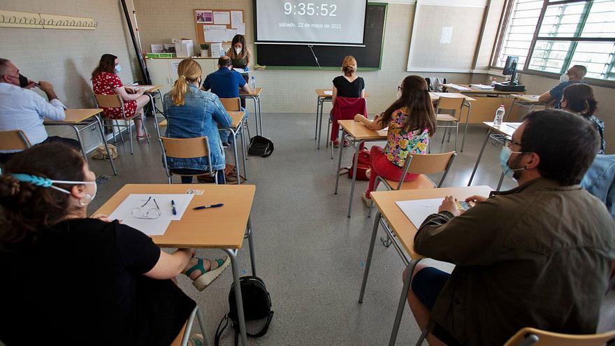 Las oposiciones del profesorado dejan sin cubrir 300 plazas en Matemáticas y Valenciano