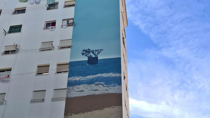 La barriada Plaza de Toros, en Marbella, estrena sus cuatro murales de inspiración marinera