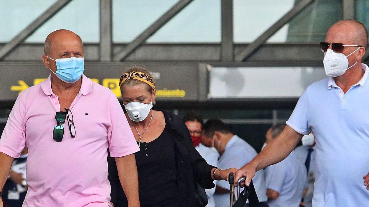 Turistas británicos en el aeropuerto de Málaga el pasado verano