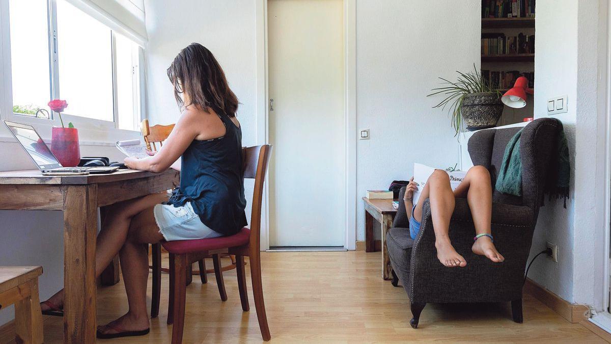 La brecha salarial comienza en casa