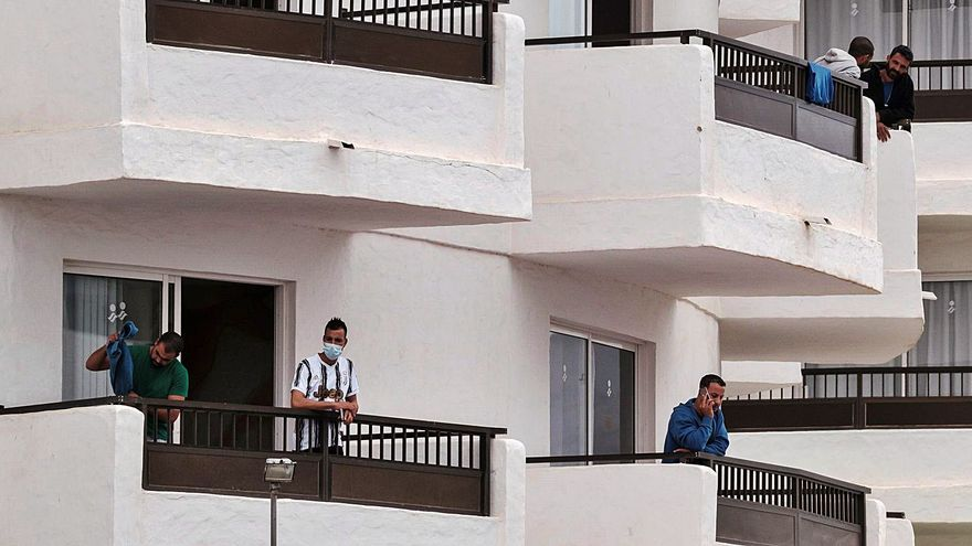 Migraciones acelera el desalojo de los hoteles del sur de Gran Canaria