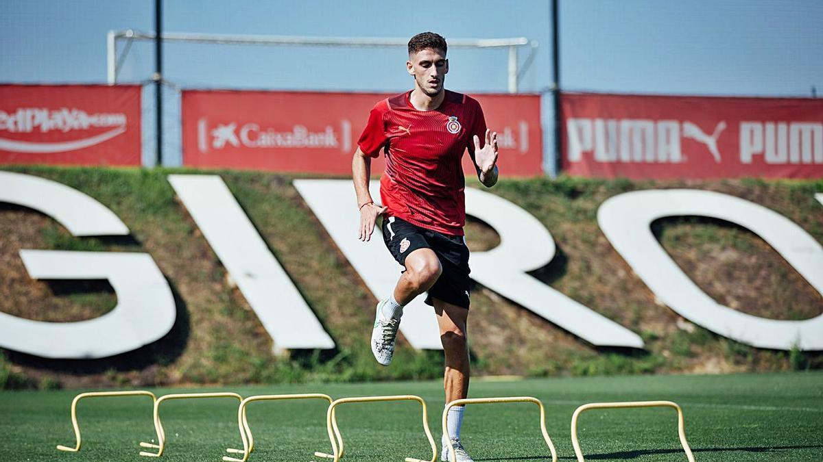 Santi Bueno va començar ahir a entrenar amb els seus companys a La Vinya