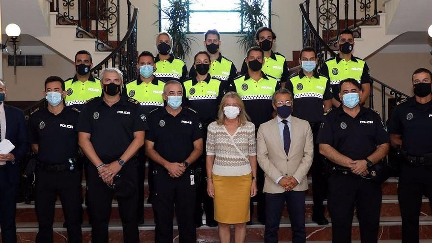 Los agentes que reforzarán la plantilla de la Policía Local de Marbella toman posesión e inician formación