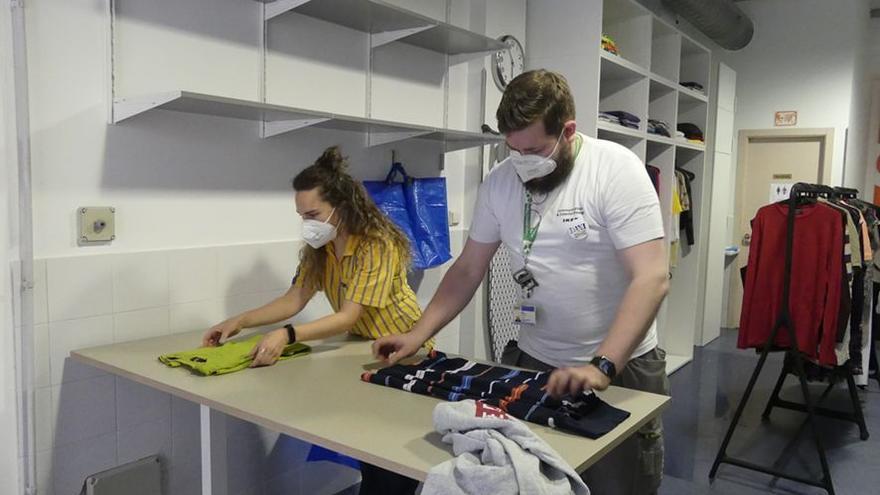 Ikea acondiciona la sede de la Cocina Económica de A Coruña como un hogar