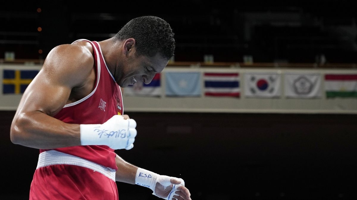 El boxeador español de origen cubano Enmanuel 'El Profeta' Reyes no podrá luchar por las medallas en los Juegos de Tokyo 2020.