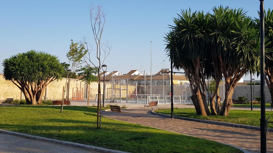 El Ayuntamiento de Lucena recepciona parte de los nuevos jardines de la Huerta del Carmen