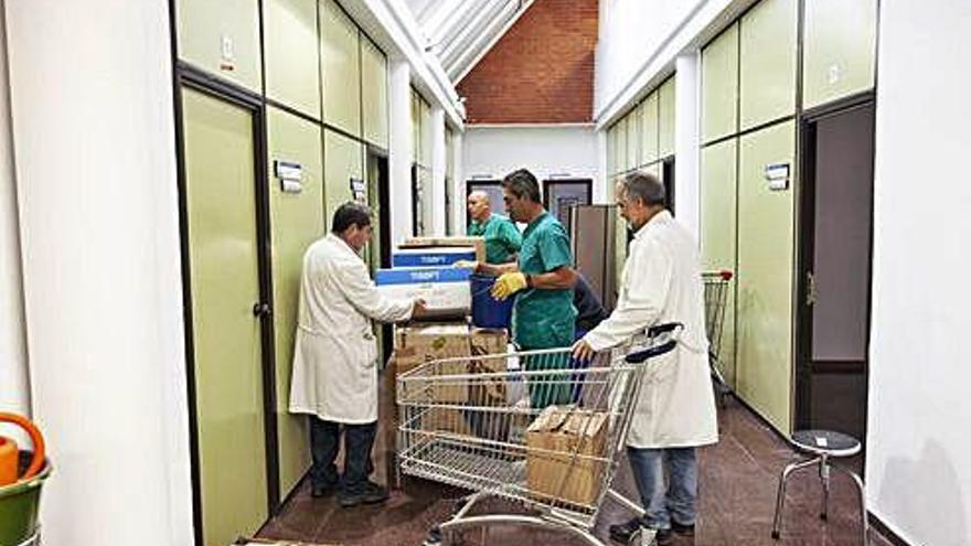 La gerente de Atención Sanitaria achaca las listas de espera a la falta de personal