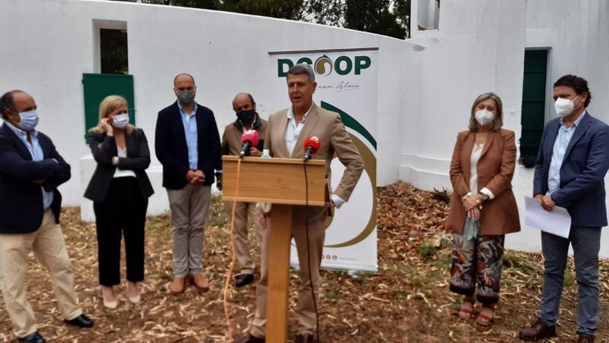 Dcoop inaugura en Los Barrios un centro de carga de vacuno para sus ganaderos de Málaga y Cádiz