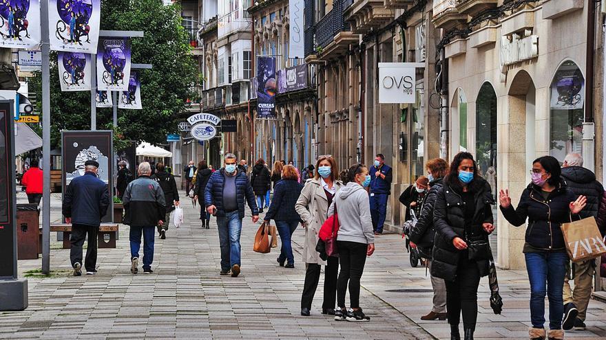 Las tiendas de la arteria comercial de Vilagarcía urgen vigilancia policial ante la oleada de robos
