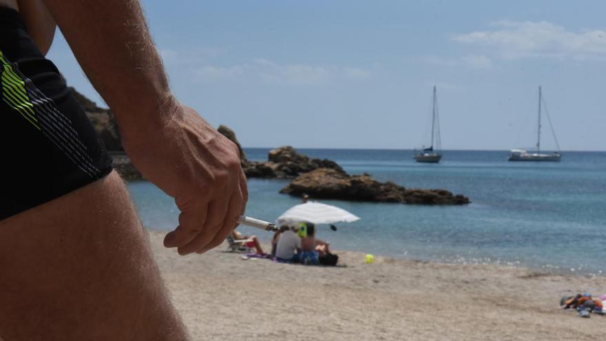 Sanidad plantea que haya playas libres de humo