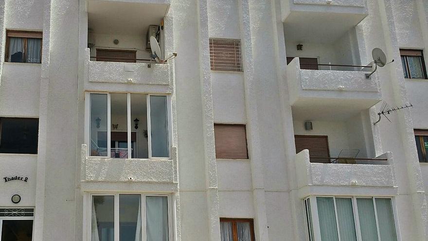A juicio un acusado de acuchillar a su expareja en su casa de Rojales y huir