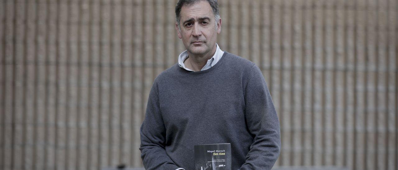 Miquel Horrach: «Empecé a escribir 'Set dies' fascinado por la profundidad de la obra de Villalonga»