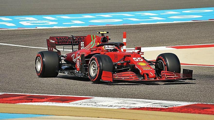 Verstappen domina i Sainz és quart en els lliures de Bahrain