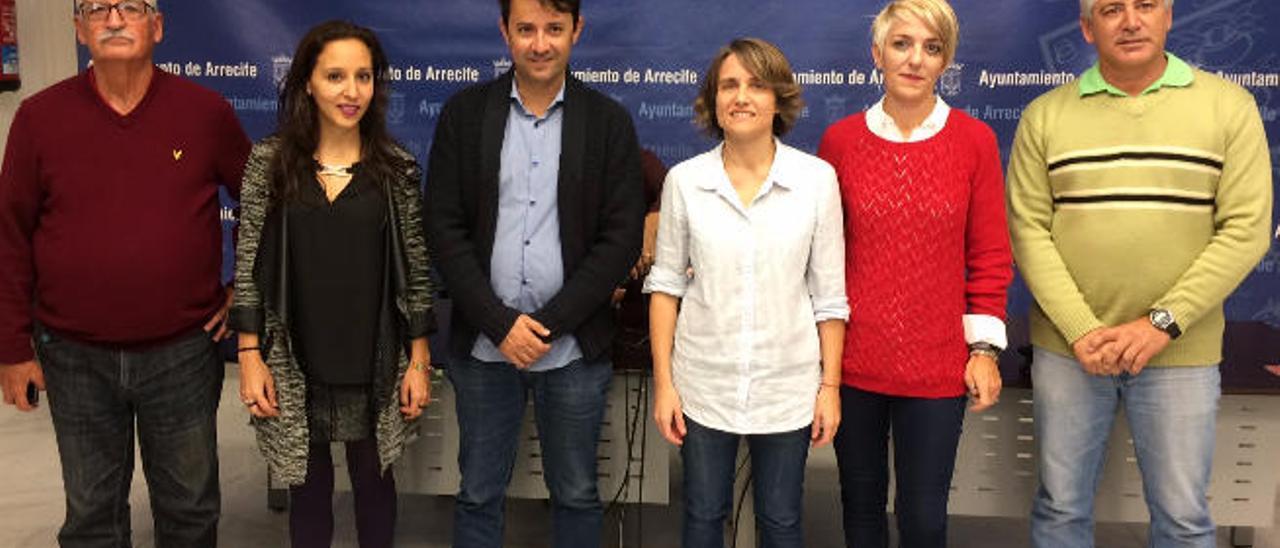De izquierda a derecha, Tomás Mesa, Jimena Álvarez, David Duarte, Eva de Anta, Victoria Sande y Manuel Hernández, ayer.