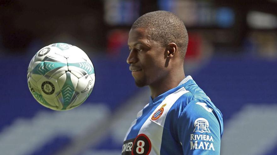 Diop rescinde su contrato con el Espanyol y firma por el Eibar