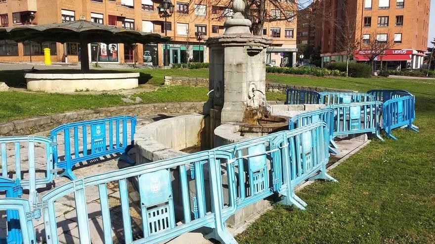 Reclaman la reparación de la fuente de los Cuatro Caños, dañada desde julio