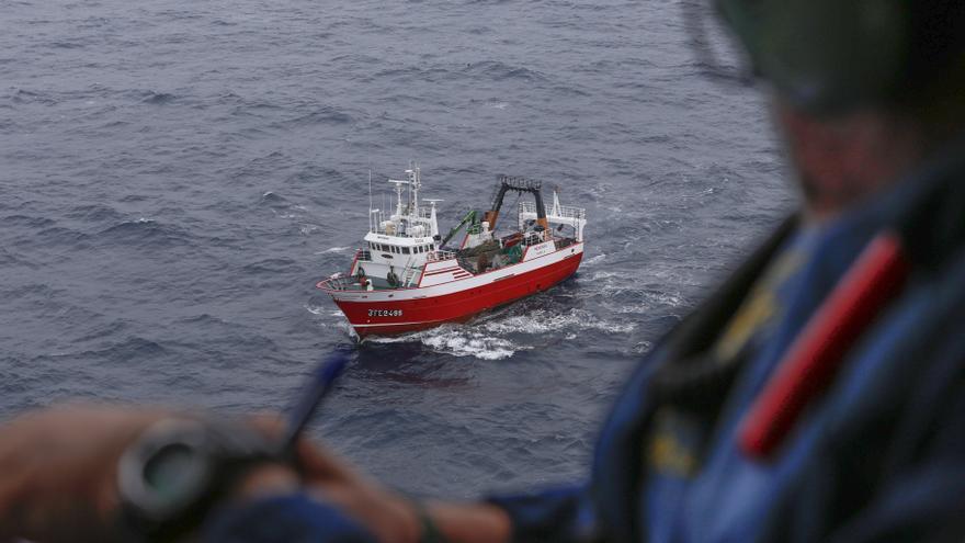 Detectan dos barcos franceses pescando bonitos en aguas asturianas prohibidas