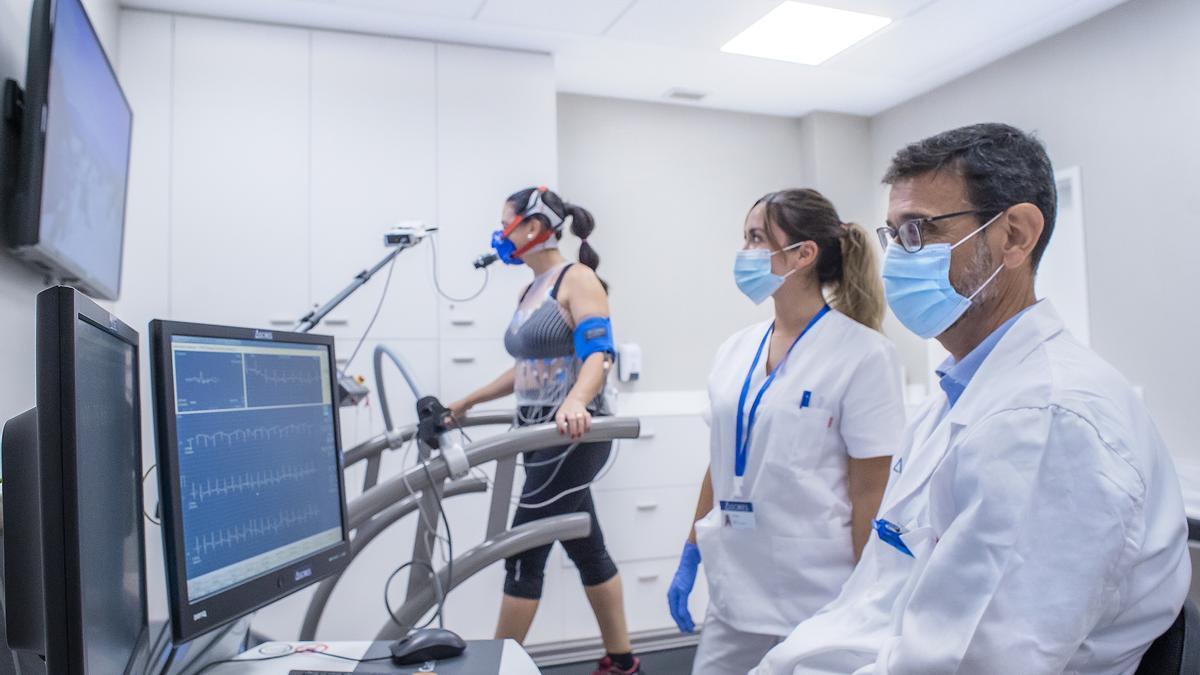 A partir de los 50 años aumenta el riesgo de sufrir una cardiopatía, por lo que es fundamental hacer ejercicio, llevar una vida sana y revisar la salud cardiovascular.