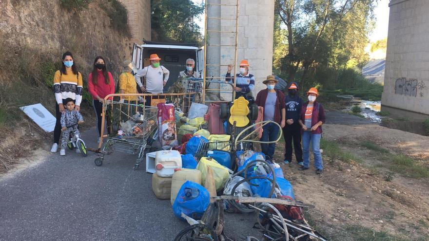 Compromís promueve una jornada de limpieza en el barranco de Picassent