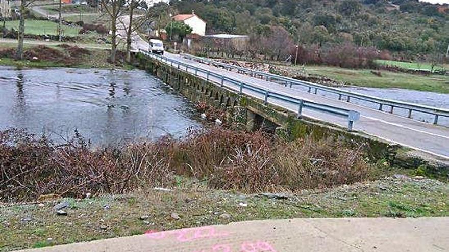El nuevo puente será construido a la izquierda de la imagen.