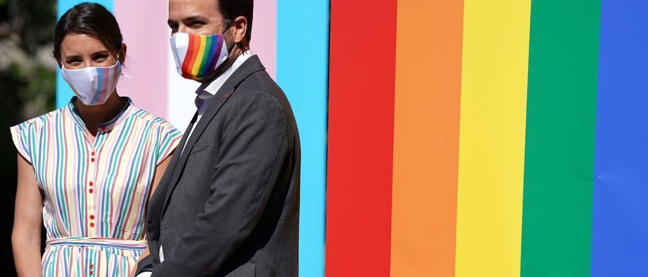 Los ministros Irene Montero y Alberto Garzón en el acto institucional del Día del Orgullo LGTBI