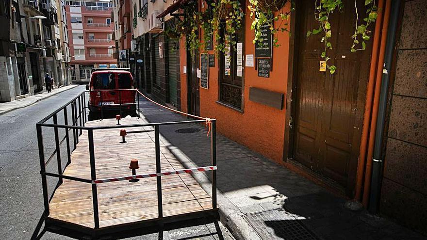 Más de 40 de las 208 terrazas exprés solicitan la ocupación permanente de la vía en Santa Cruz de Tenerife