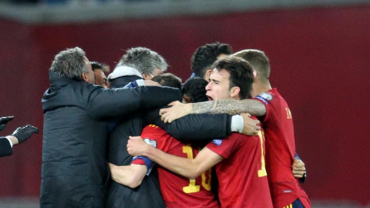 España celebra ante Georgia.