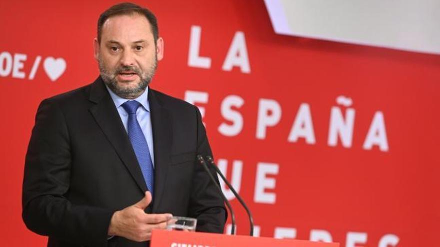 """El PSOE insta a Rivera a que """"salga de su laberinto"""" y se abstenga en la investidura"""