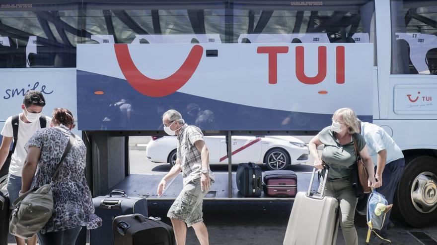 TUI cancela sus paquetes vacacionales a Ibiza hasta el 13 de junio