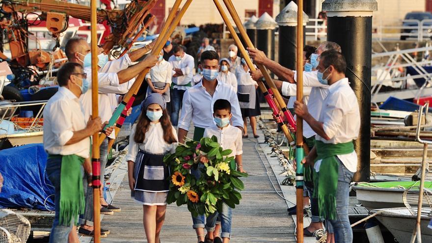 La fe por el Carmen mueve pandemias en Meira