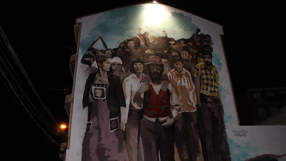 'Mural en homenaje a la manifestación de 1976' en la plaza de la Encomienda de Zamora.