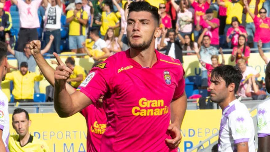 El Sevilla suspira por Rafa Mir y la UD valora comprar al delantero a los 'Wolves'