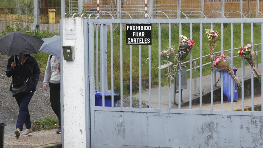 """""""Estamos destrozados; quería jubilarse"""", lamenta la hermana del conserje atrapado por el ascensor en un instituto de Oviedo"""