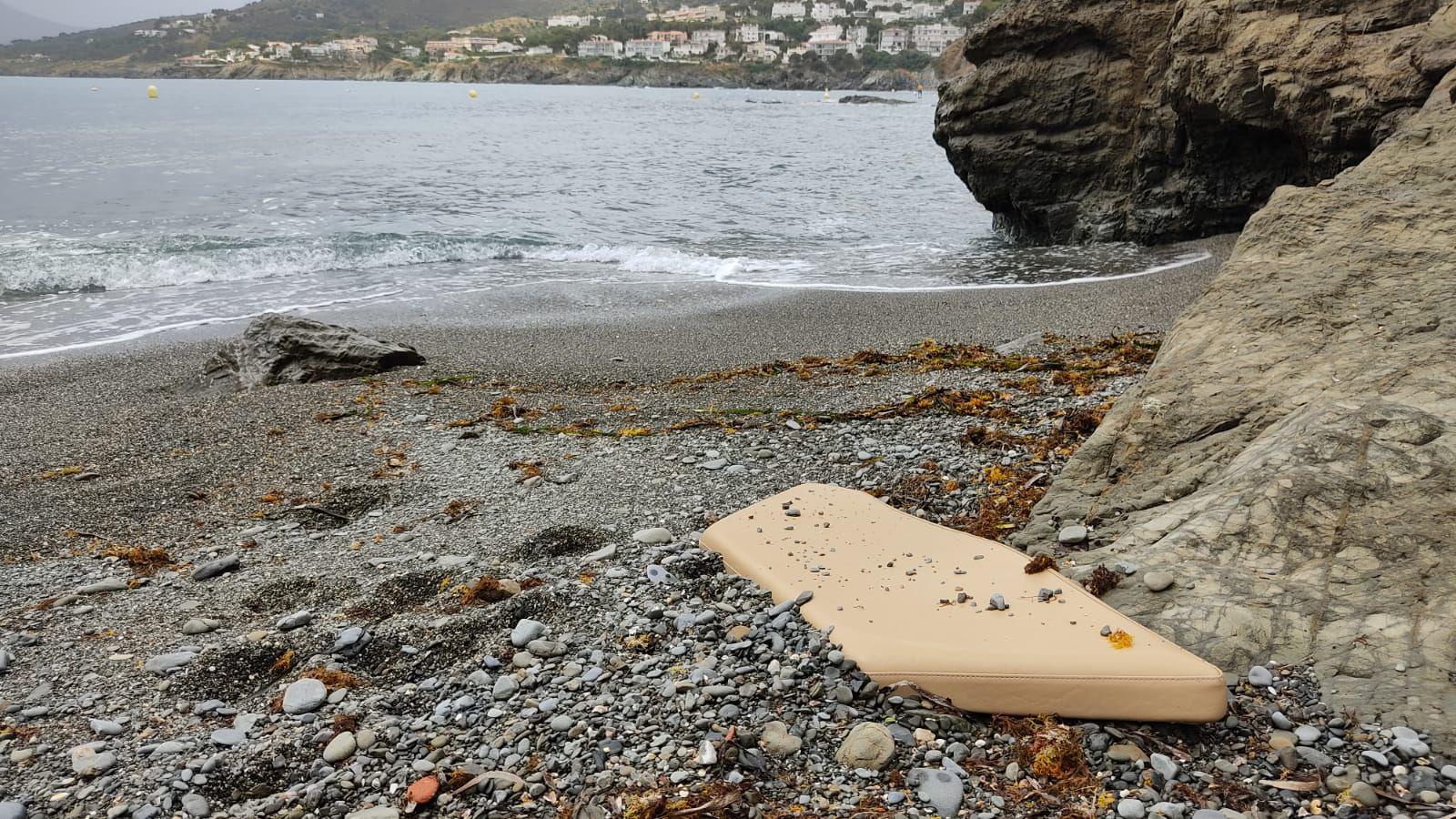 Platges Netes recull brossa i plàstics de diverses cales de Llançà
