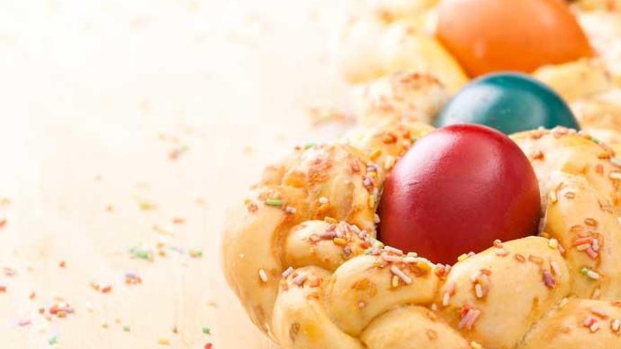 Así se prepara una mona de Pascua sin azúcar