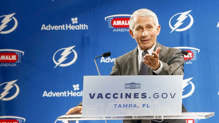 """EEUU advierte que empezará """"razonablemente pronto"""" a administrar terceras dosis de la vacuna"""